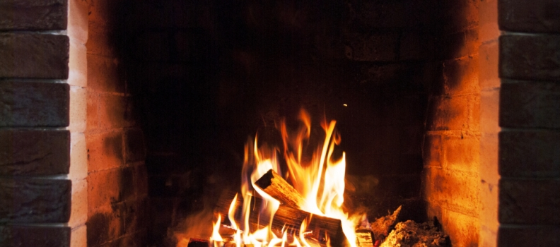 Gas Vs. Wood Fireplaces – What is Right for you?